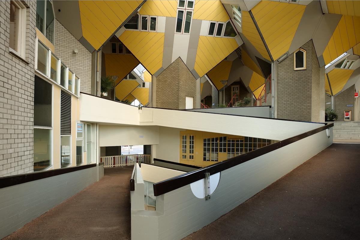 Kubuswoningen rotterdam architect piet blom - Kubus interieurs ...