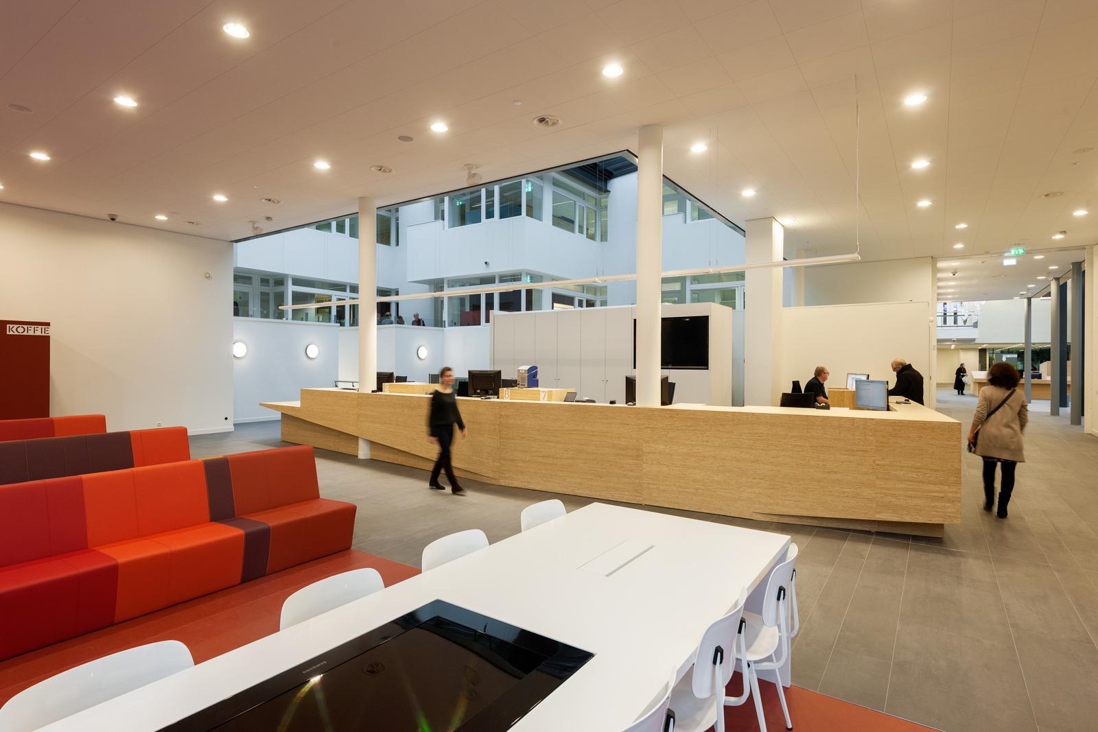 Vernieuwbouw gemeentehuis zeist architecten atelier pro for Interieur architectuur